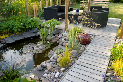 A beautiful small pond and a patio with a sitting area - Do You ...