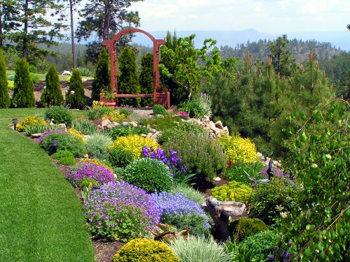 Front Yard Landscape Design Ideas 500 x 375