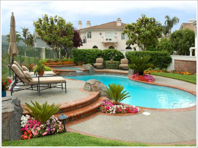 Backyard ideas tips to decorate your backyard for Decor around swimming pool