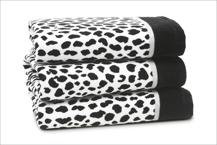 Donna Karan Bathroom Accessories - Cheetah Animal Print Bath Towel