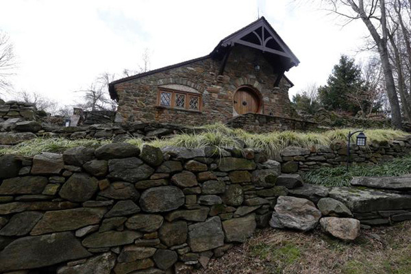 Custom Hobbit house in Pennsylvania (3)