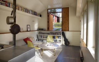 A Contemporary Mini-Studio in The Garage-Living Room