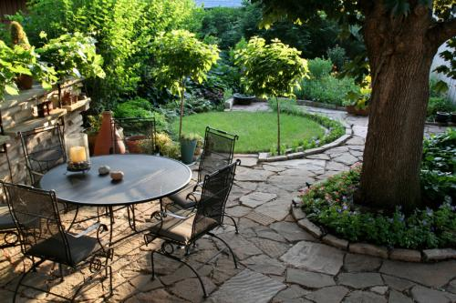 Backyard landscaping ideas1