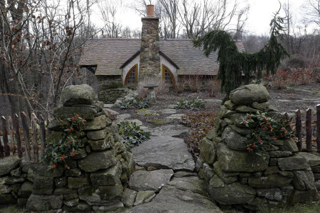 Custom Hobbit house in Pennsylvania (4)