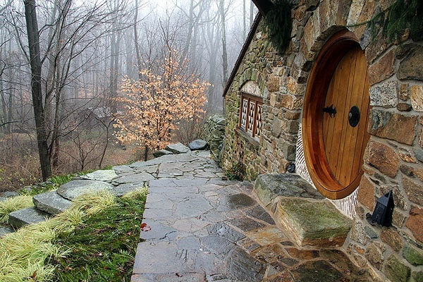 Custom Hobbit house in Pennsylvania (7)