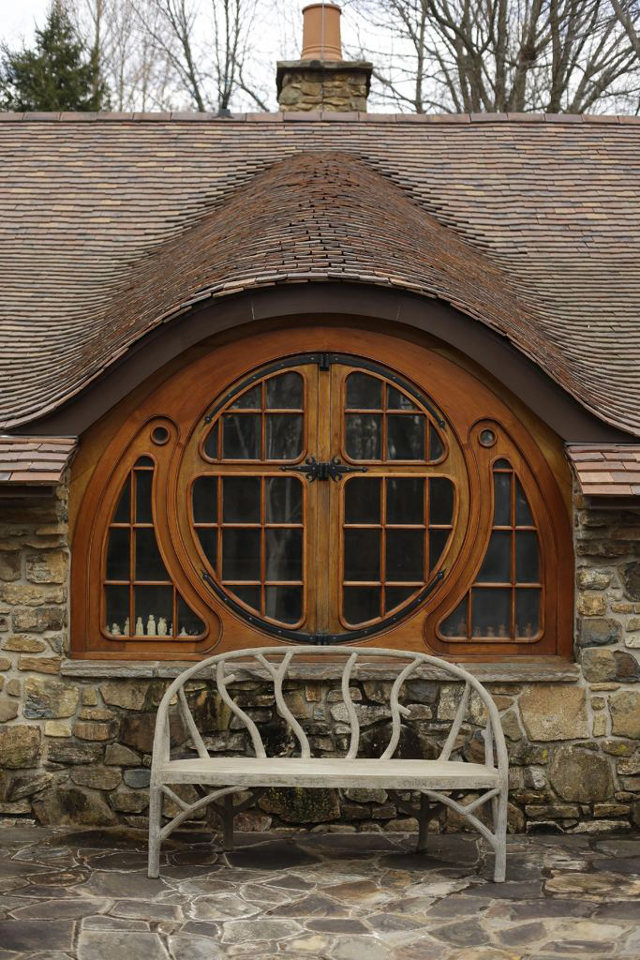 Custom Hobbit house in Pennsylvania (8)